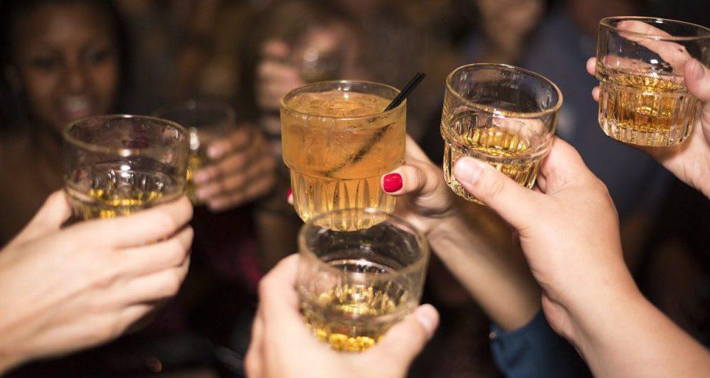 lustrumreis drinken club bar 123