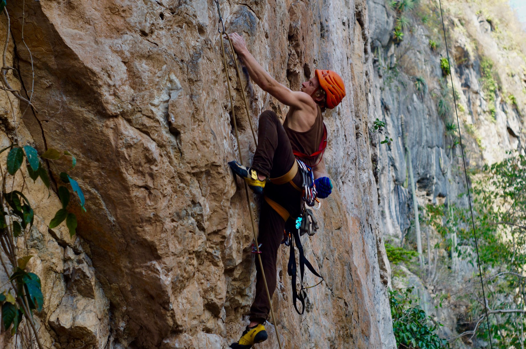 Aguacero overnight rock climbing San Cristobal Mexico00003