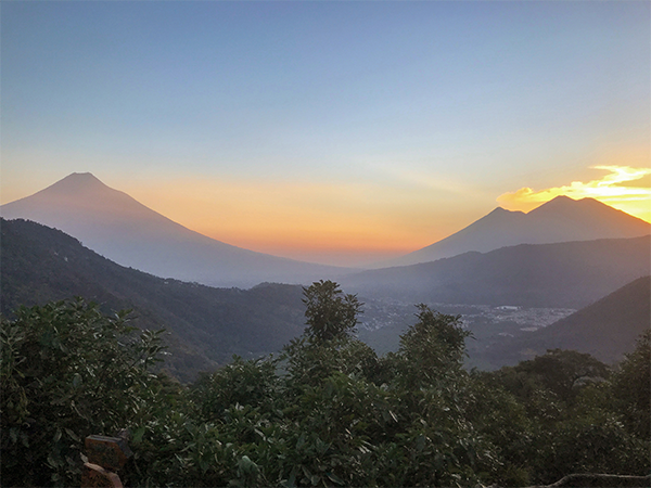 Antigua-Guatemala-Earthlodge