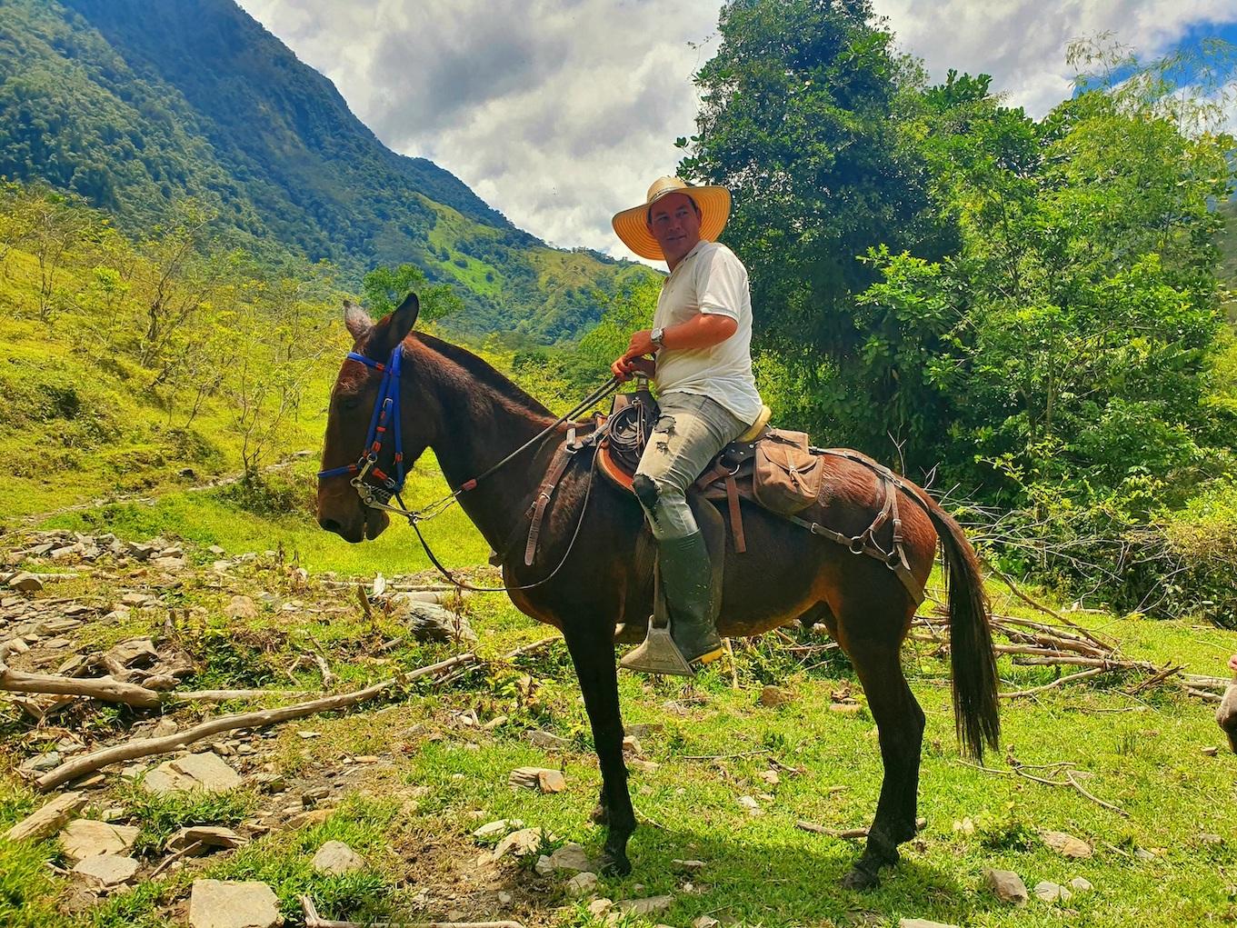 Colombia Cocorna Santo Domingo Hike Paardrijden