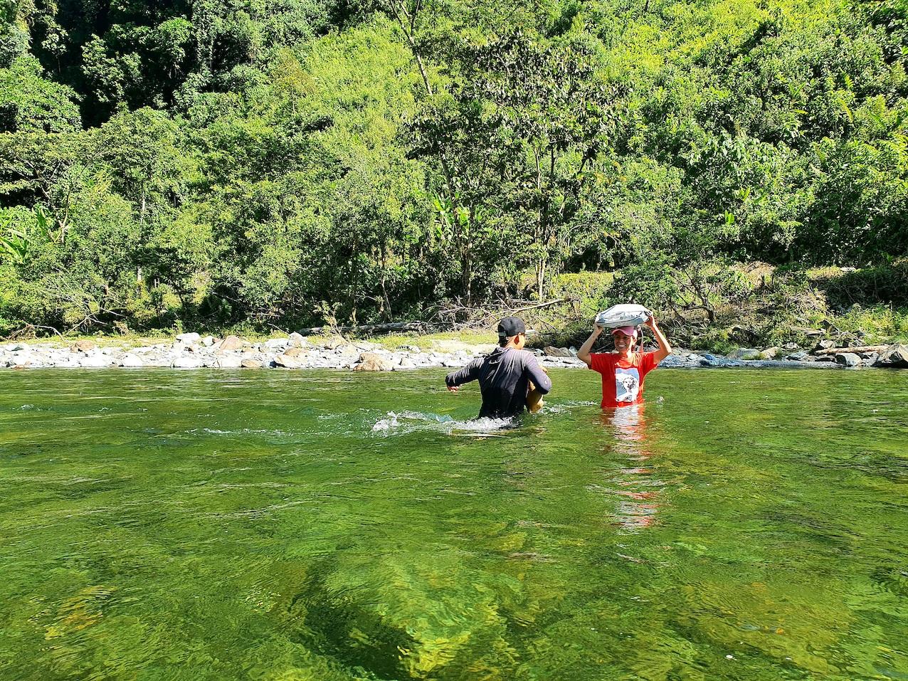 Colombia Cocorna Santo Domingo Hike Rivier Crossing Tas