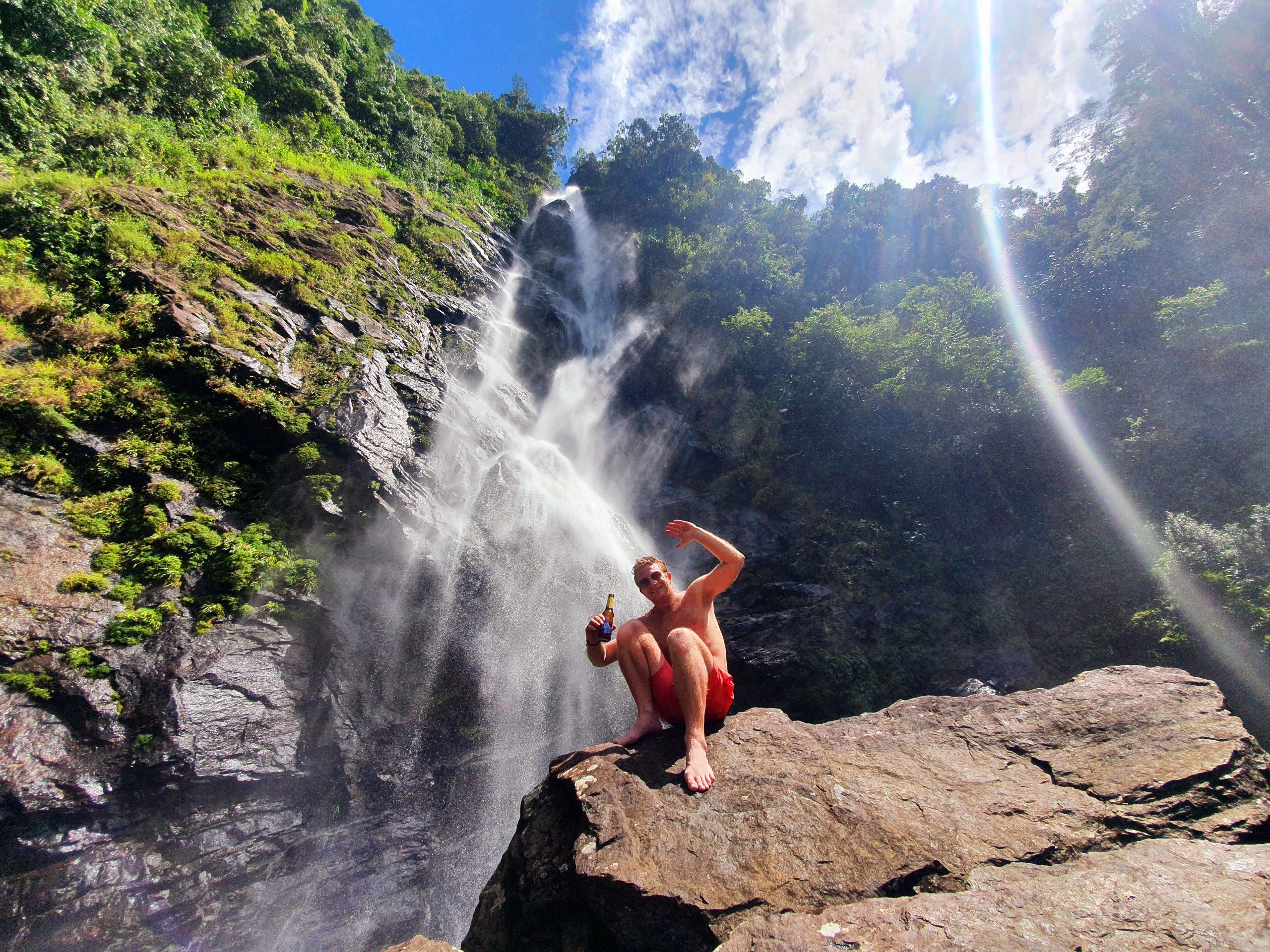 Colombia Cocorna Santo Domingo Hike Waterval Biertje