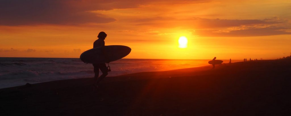 Surf driftwood el paredon guatemala