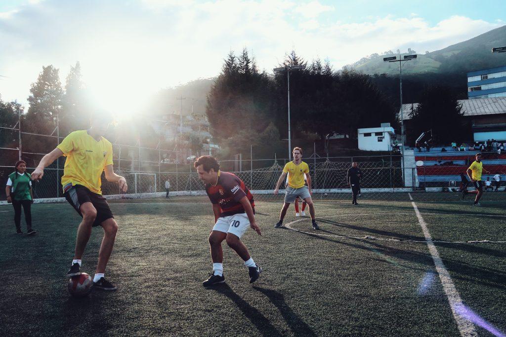 Ga naar een voetbalwedstrijd tijdens je lustrumreis door Colombia