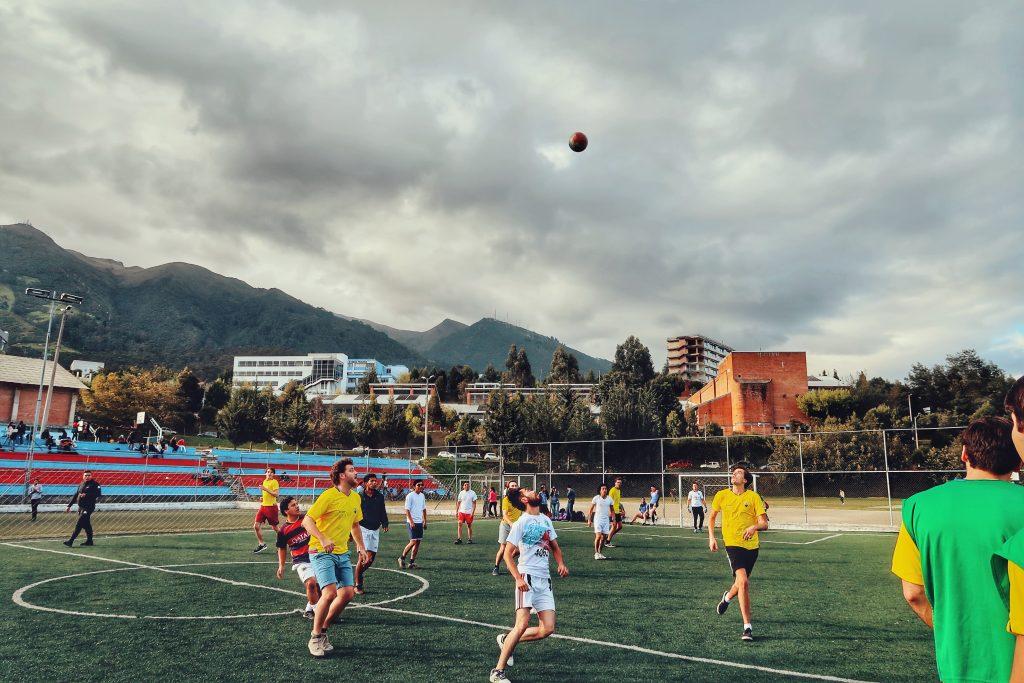 Lustrumreis Ecuador Quito Voetballen Anne1 123