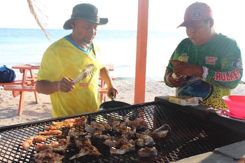 Lustrumreis Belize Caye Caulker BBQ
