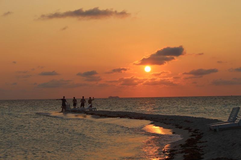 Lustrumreis Belize Onbewoond Eiland Sunset