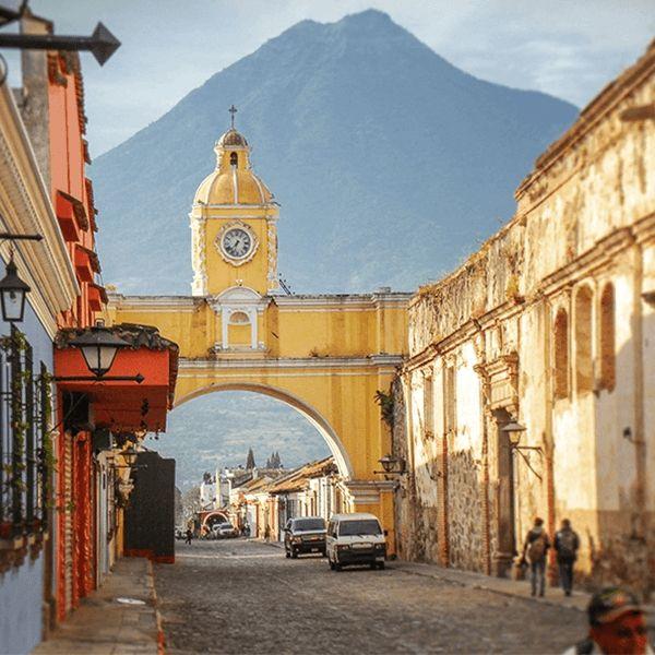 Bezoek de koloniale stad Antigua tijdens je lustrumreis door Guatemala