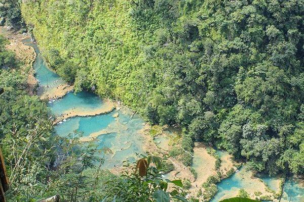 Bezoek de prachtige watervallen van Semuc Champey tijdens je lustrumreis door Guatemala