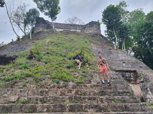 Lustrumreis Guatemala Yaxha Nakum 4x4 Klimmen Nakum
