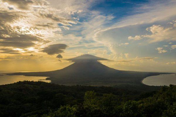 lustrumreis-nicaragua-jaarclub-ometepe-vulkaan-concepcion