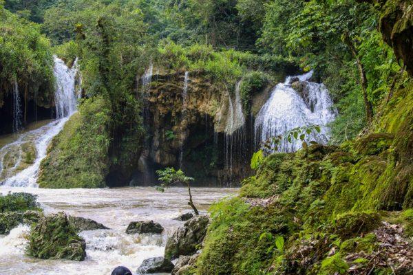 lustrumreis-guatemala-semucchampey-waterval