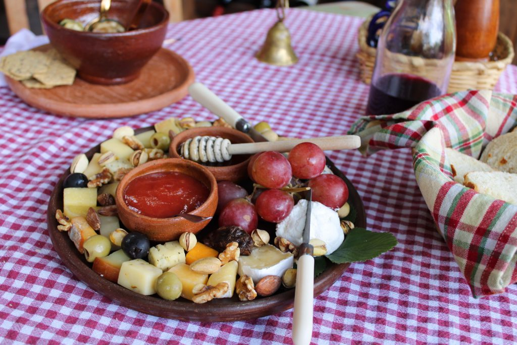 lustrumreis-guatemala-lake-elartesano-cheese2